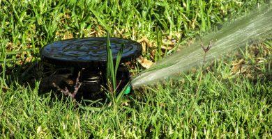 sistema de riego automatico para jardines