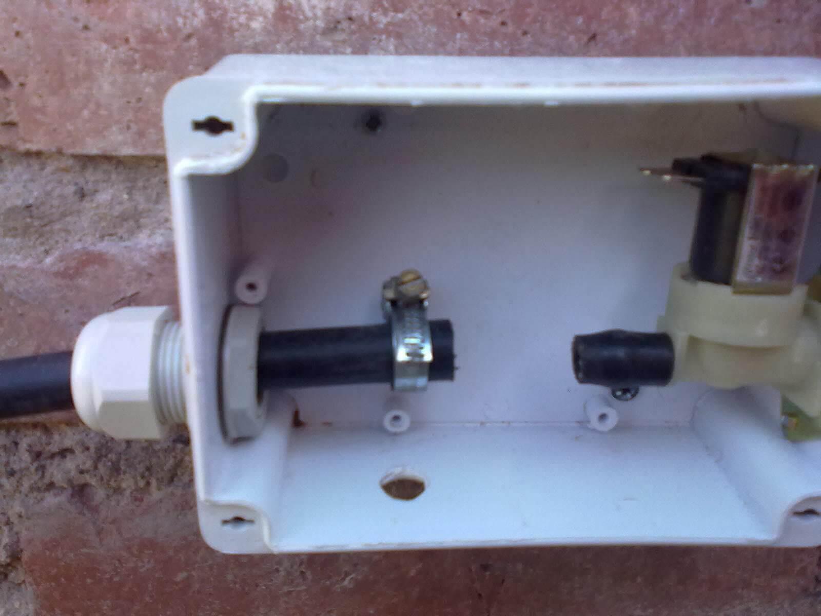 instalación de electrovalvula sistema de riego casero